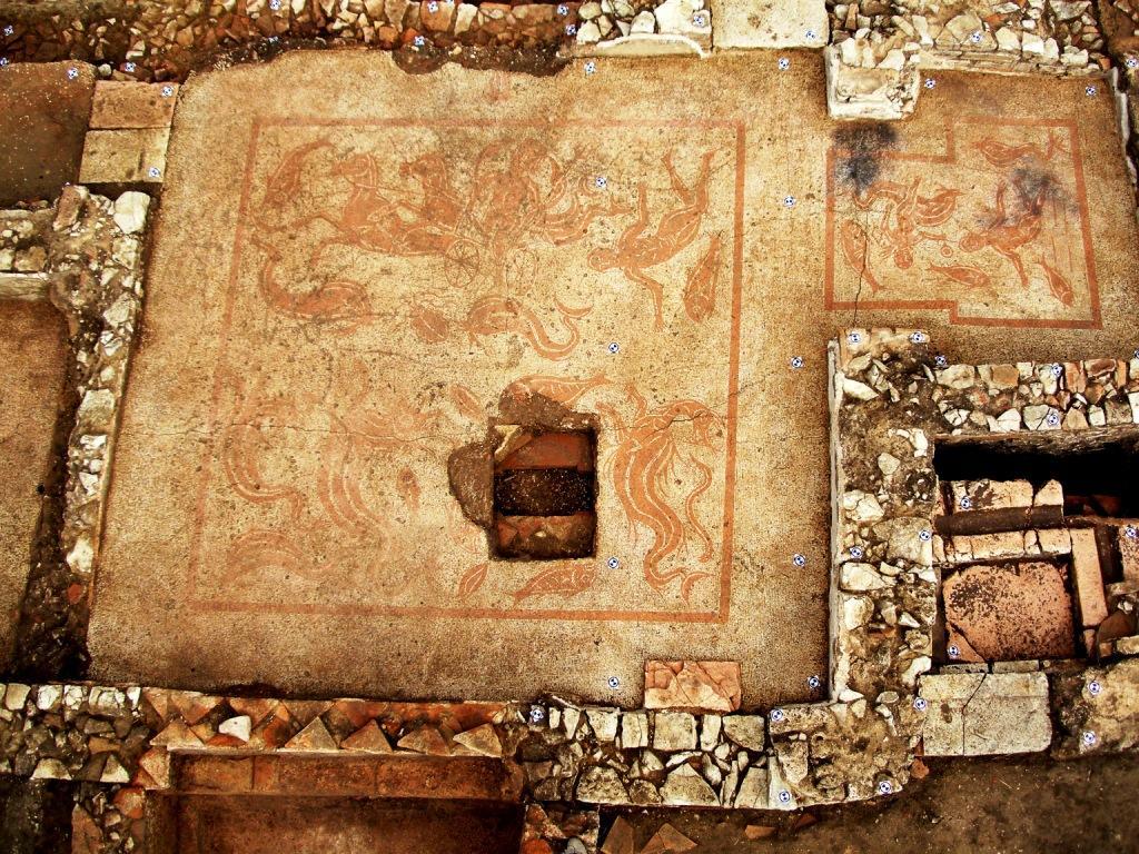 Tadinum - mosaico del Nettuno